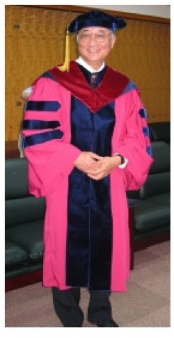 Professor Lu J. Sham awarded  Doctorate, honoris causa, from National Chiao Tung University, Taiwan